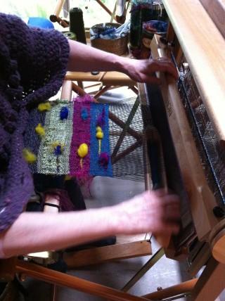 Kitty Weaving Saori